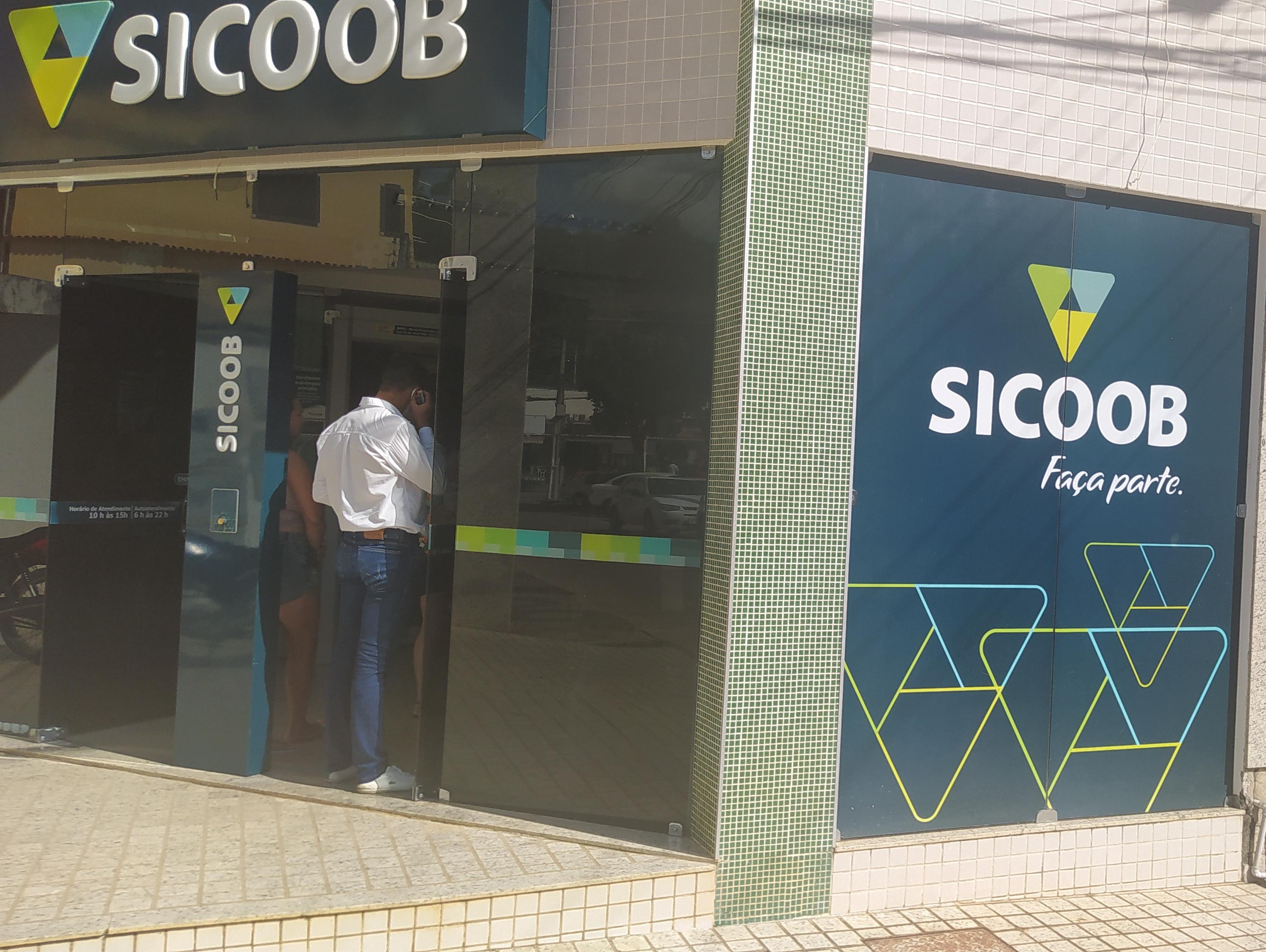 Cooperativa lidera a concessão de crédito para empresas