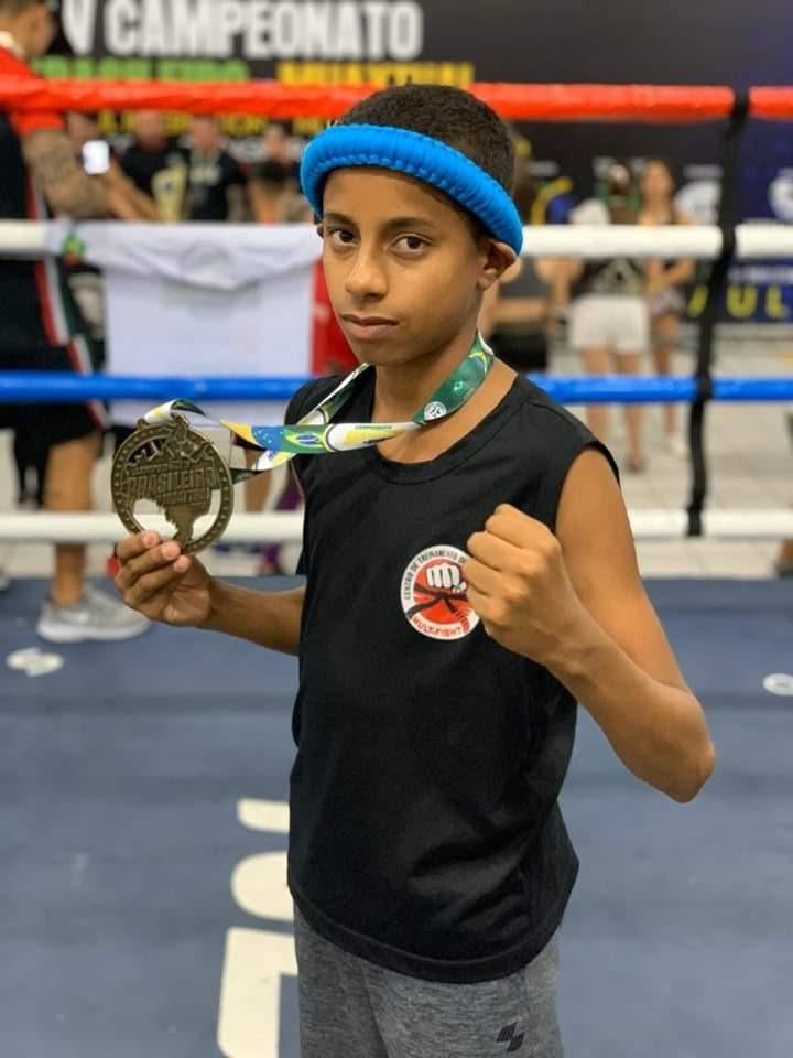 Lutador de Kickboxing, contemplado pelo Bolsa Atleta, é finalista no primeiro Campeonato Brasileiro virtual da modalidade