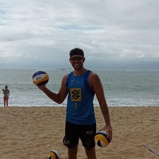 Contemplado pelo Bolsa Atleta, Fernandão disputa o Circuito Brasileiro de Vôlei de Praia, no Rio de Janeiro