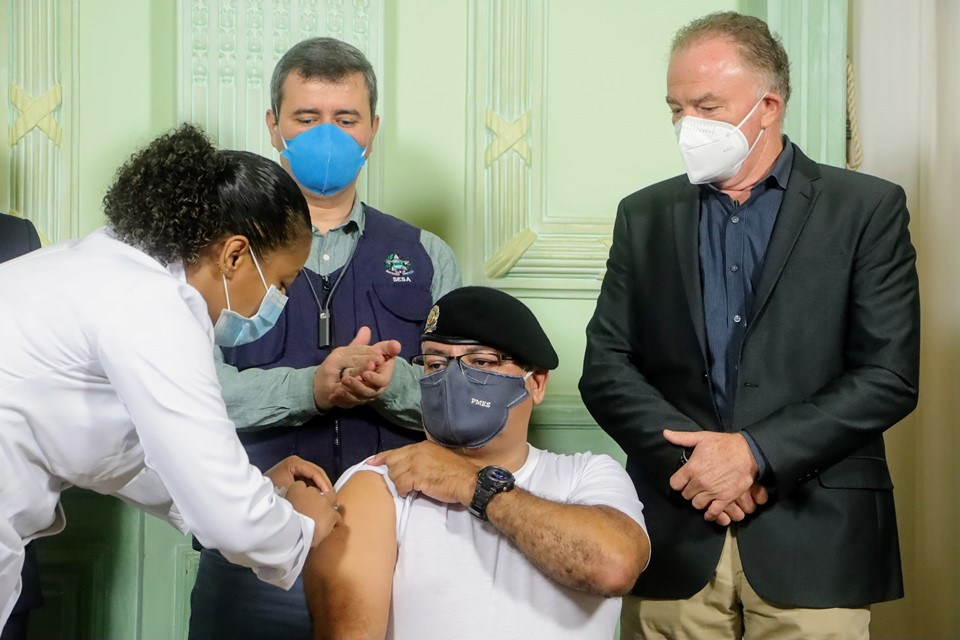 Espírito Santo inicia vacinação do grupo das forças de segurança pública contra a Covid-19
