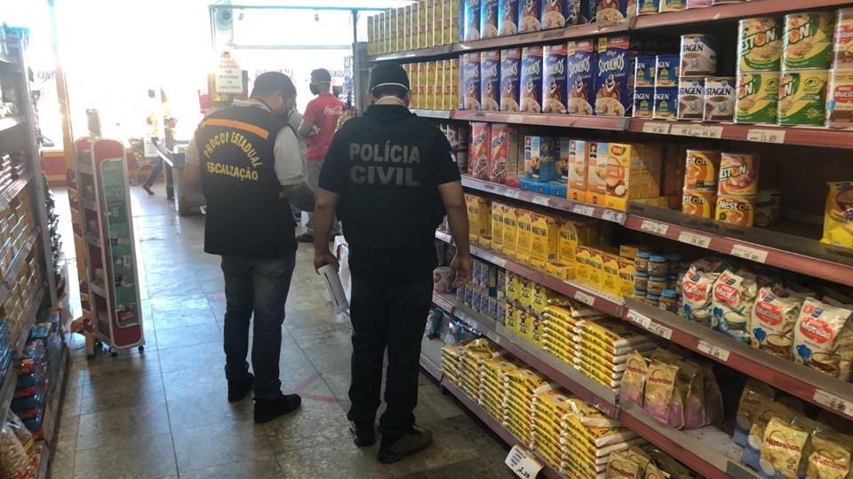 Decon e Procon-ES apreendem materiais clandestinos e vendidos por preços abusivos na Serra