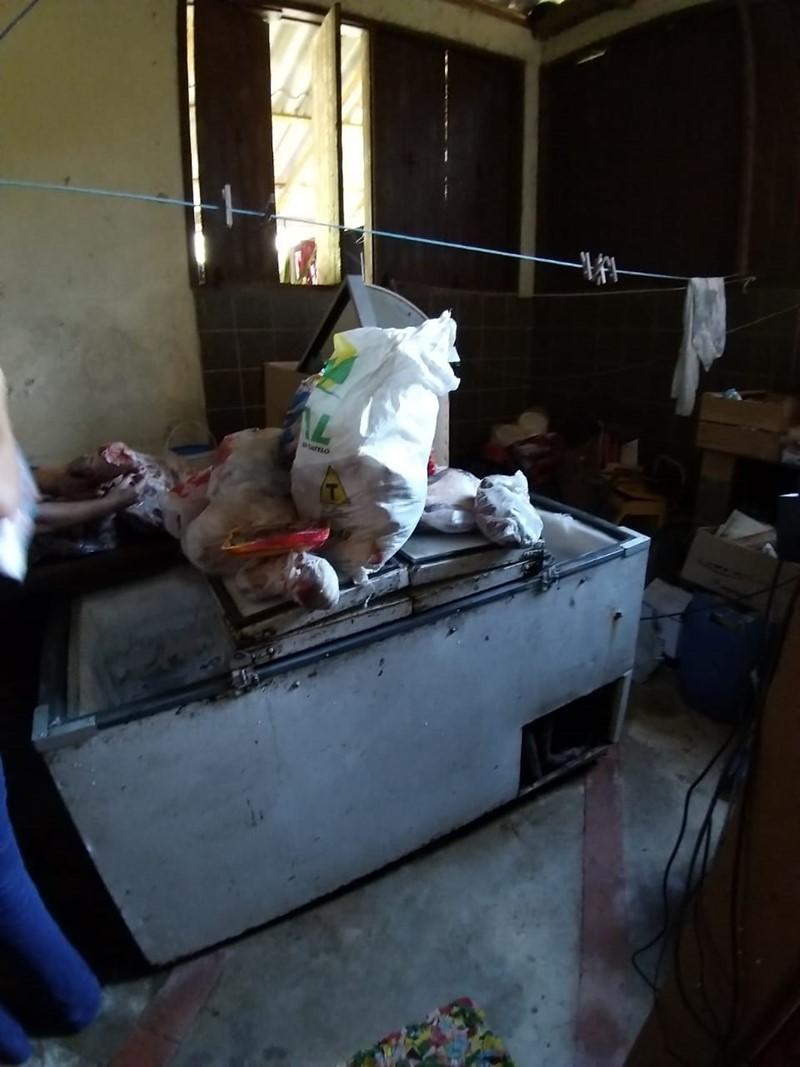 PCES e Idaf apreendem mais de 80 quilos de carne imprópria para consumo em Guarapari