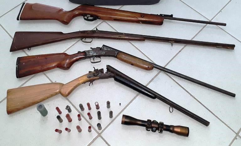 Polícia Militar cumpre Mandado de Busca e Apreensão e apreende armas e munições em Pancas
