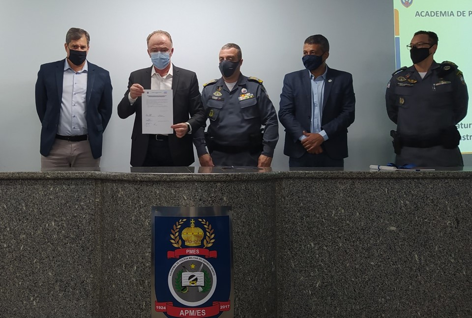 Governador assina Ordem de Serviço para obra na Academia da Polícia Militar