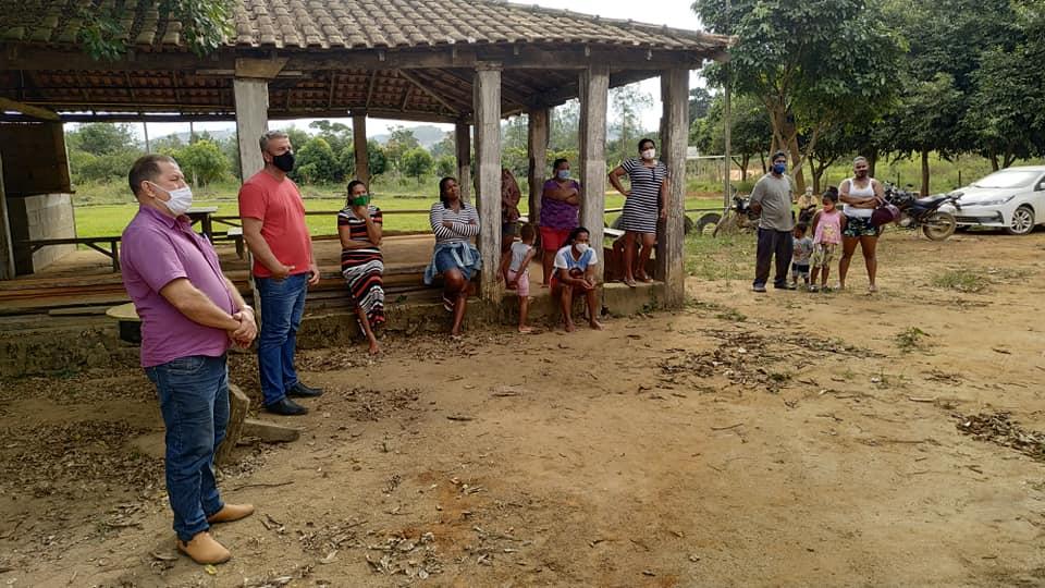 Pedro Pão avalia possibilidade de levar internet a comunidades do interior