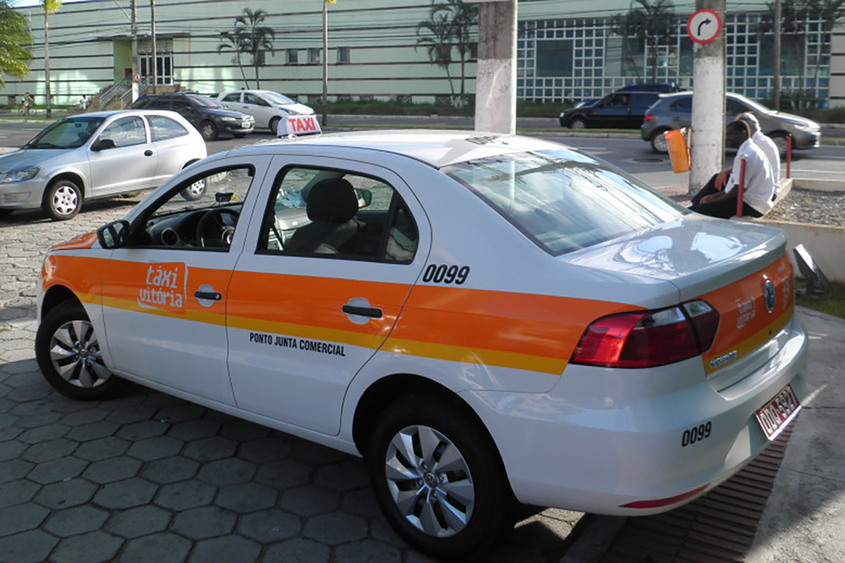 Projeto prevê publicidade em táxi