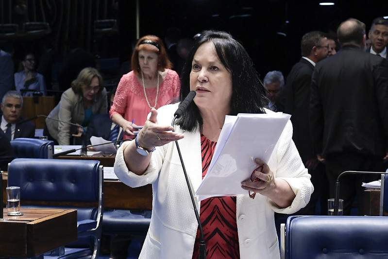 PL Stalker: projeto de senadora capixaba que aumenta pena para perseguição é aprovado por Comissão da Câmara
