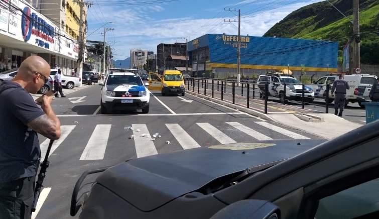 Tiros e medo: Leitão da Silva é bloqueada por criminosos em Vitória