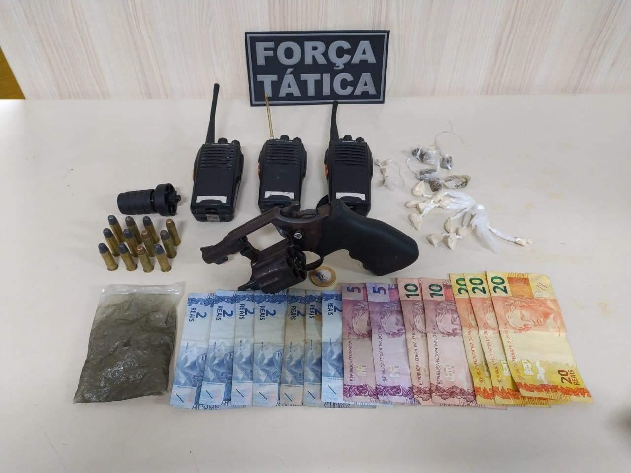 Polícia prende suspeitos de comandarem tráfico de drogas em Morada da Barra, Vila Velha
