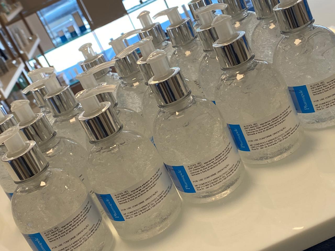 A corrida do álcool em gel ou líquido: veja dicas de recomendações de uso e qual produto é eficaz no combate ao vírus