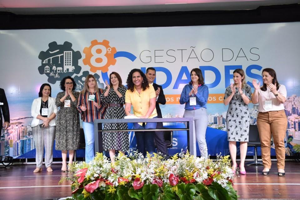 Governo e Amunes assinam termo de cooperação do Pacto Estadual pelo Enfrentamento à Violência contra as Mulheres