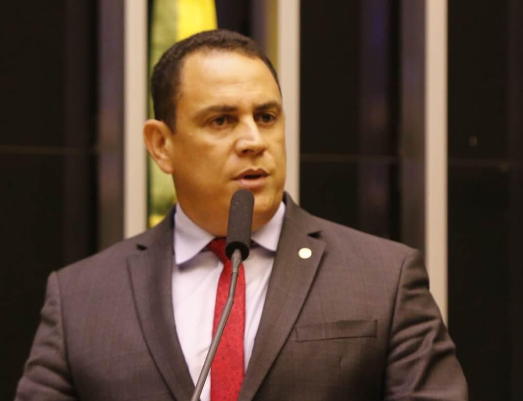 Suspensão da cobrança de pedágios em rodovias federais durante pandemia é solicitada pelo deputado Da Vitória