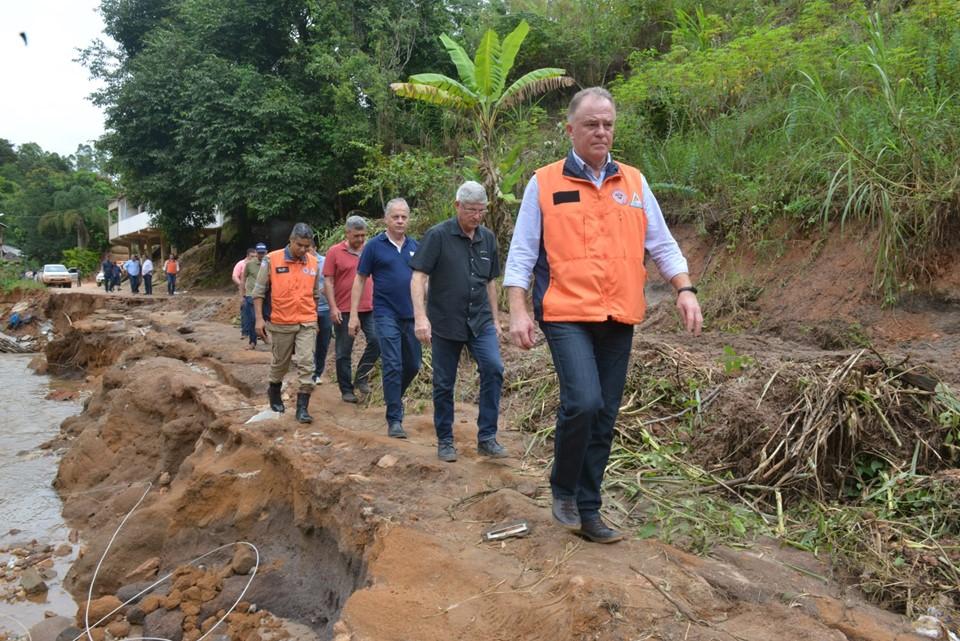 Governador acompanha trabalho de reconstrução das cidades afetadas pelas chuvas