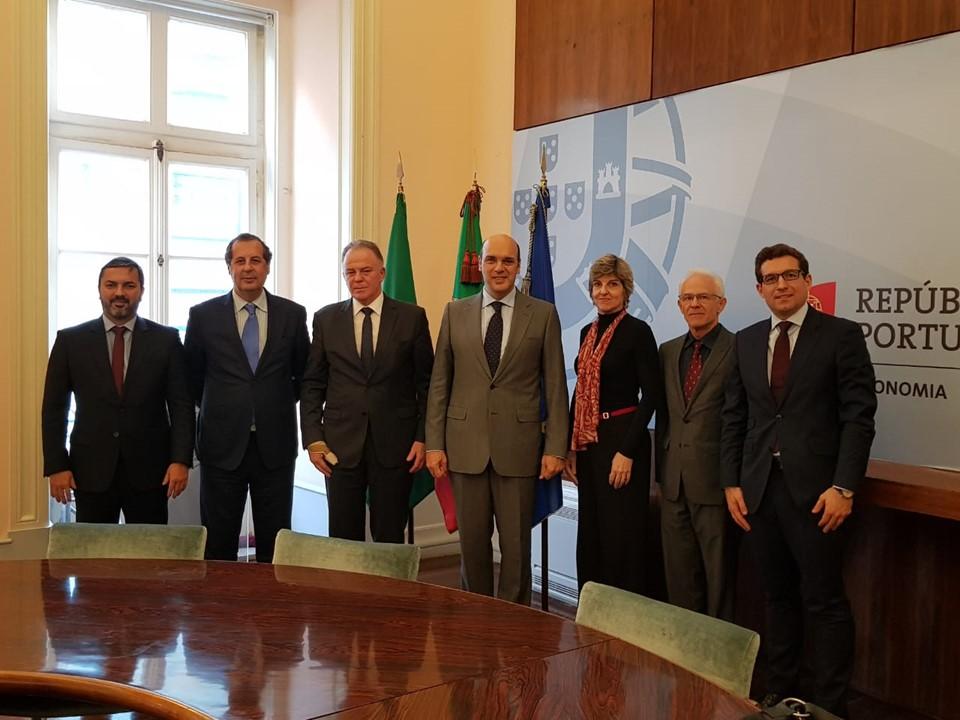 Casagrande se reúne com ministro da Economia de Portugal