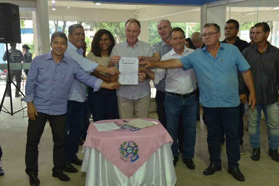 Governo dá início às obras de pavimentação e drenagem em Nova Venécia