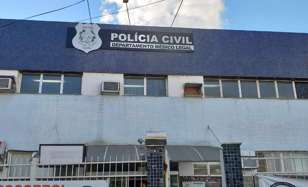 Menino de 2 anos morre após se afogar na piscina de casa em Serra Dourada II