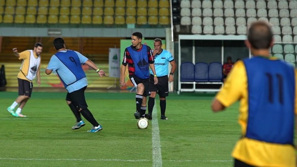 Kleber Andrade recebe primeiro jogo amador após assinatura da portaria que regulamenta uso do estádio