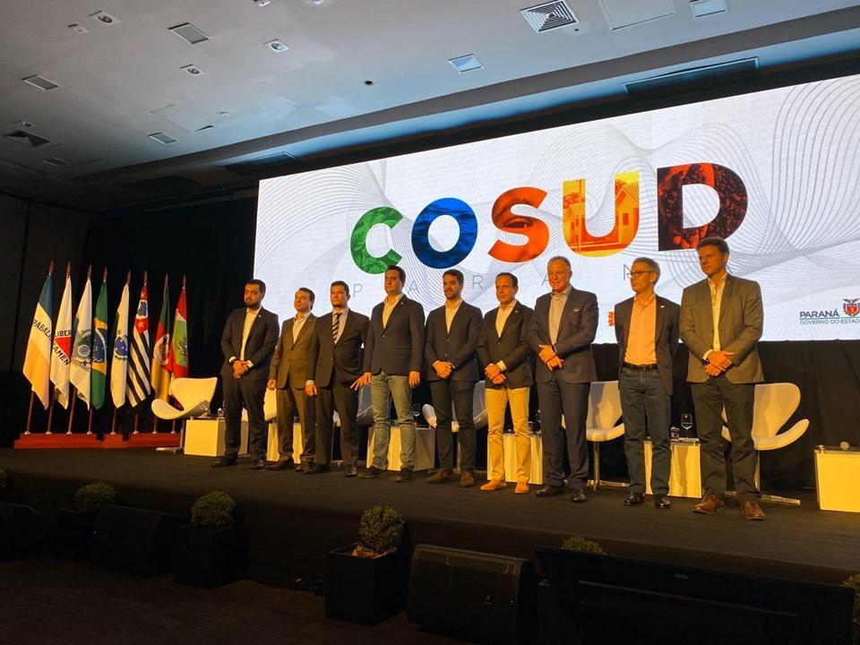Governador Casagrande participa do sexto encontro do Cosud, no Paraná