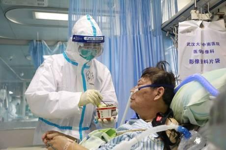 China anuncia fim do pico de coronavírus no país