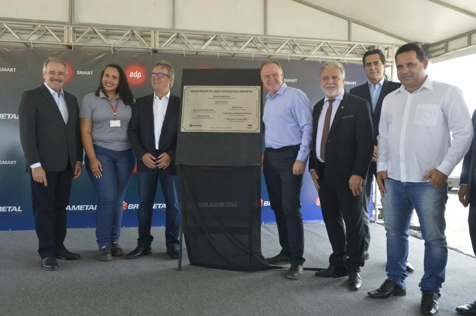 Governador participa de inauguração de usina solar em Linhares