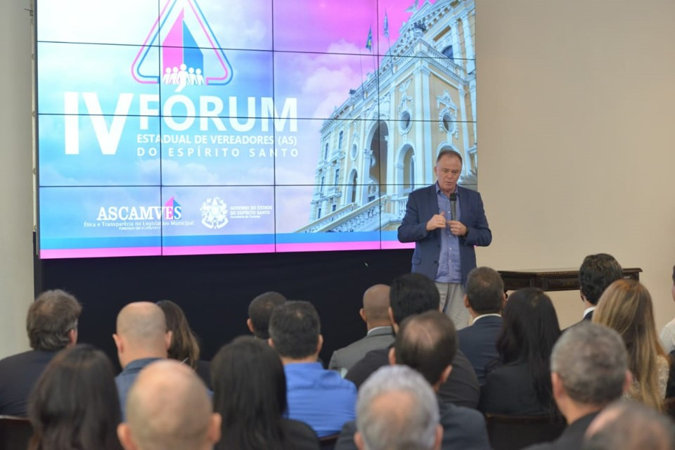 Governador abre IV Fórum Estadual de Vereadores no Palácio Anchieta