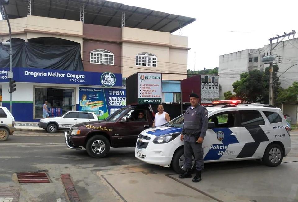 Coronavírus: Polícia Militar atua no fechamento do comércio e orienta população a ficar em casa